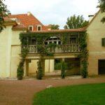 Eingang Schloss Tiefurt Heinz_Laube_pixelio.de